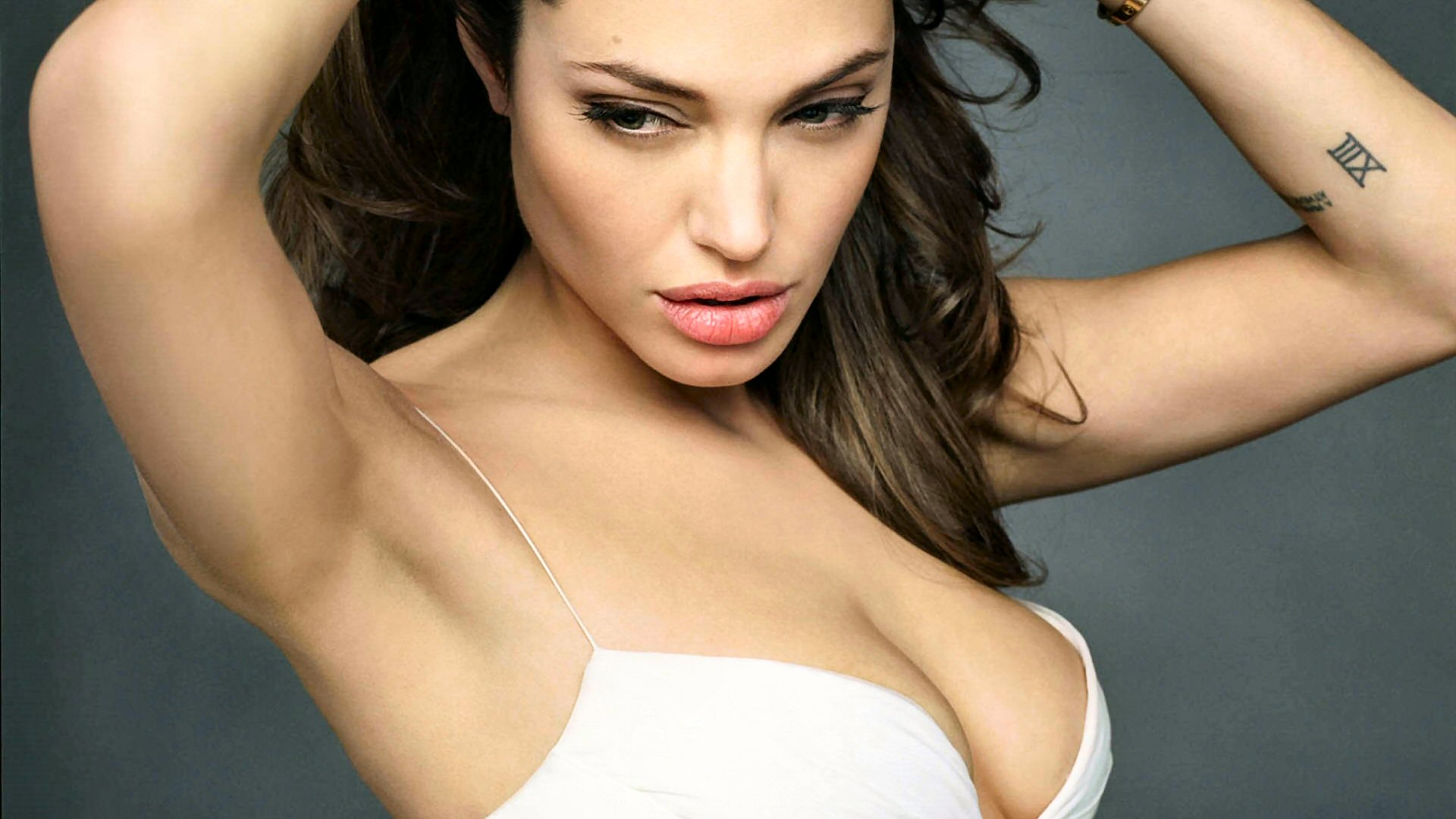 nxeangelinajolie1 How to get pregnant fast: